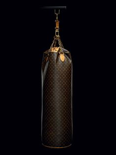 Karl Lagerfelds Punching trunk // Louis Vuitton