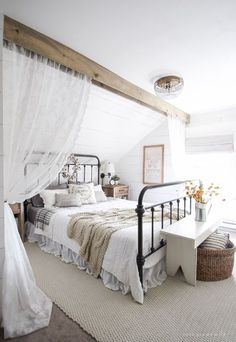 Modern farmhouse style combines the traditional with the new for a peaceful, airy, welcoming feel. Here are fifty farmhouse bedroom photos to inspire you. #TraditionalBedroomDecor