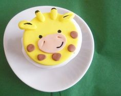 Giraffe Fondant Cupcake Topper for Safari or Jungle Theme Party