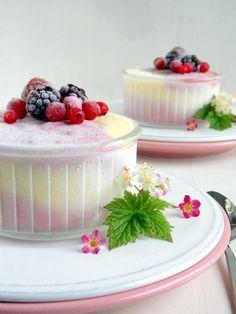 Joghurtos, erdei gyümölcsös fagylalt Muffin, Parfait, Fudge, Panna Cotta, Deserts, Cocktails, Ice Cream, Sweets, Cake