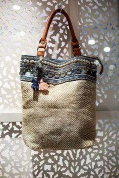 ☆ Rhapsody more - - Taschen - Bolsas Sacs Tote Bags, Reusable Tote Bags, My Bags, Purses And Bags, Burlap Bags, Hessian, Boho Bags, Denim Bag, Fabric Bags