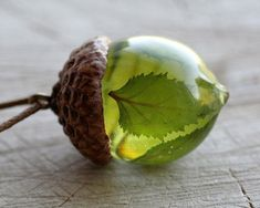 Birch Leaves Acorn Necklace Eco Resin Jewelry with Real Leaves - Salvabrani Eco Resin, Diy Resin Art, Diy Resin Crafts, Epoxy Resin Art, Stick Crafts, Felt Crafts, Paper Crafts, Diy Jewelry Rings, Diy Jewelry To Sell