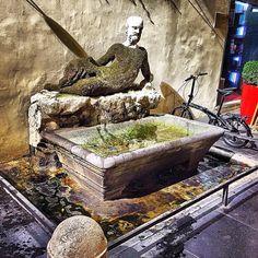 """Foto di Stefano Incollà. La statua """"parlante"""" di Via del Babuino."""