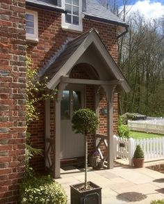 38 Tricks Upgrade Exterior House with Victorian Porch The biggest issue homeowners run into when thinking about a porch addition is linked to daylight. Front Door Canopy, Porch Canopy, Front Door Porch, Porch Awning, Cottage Front Doors, Cottage Porch, Cottage Exterior, House With Porch, House Front