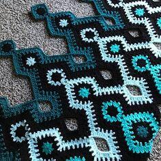 Transcendent Crochet a Solid Granny Square Ideas. Inconceivable Crochet a Solid Granny Square Ideas. Motifs Granny Square, Granny Square Crochet Pattern, Afghan Crochet Patterns, Crochet Squares, Crochet Motif, Crochet Designs, Crochet Stitches, Free Crochet, Knit Crochet