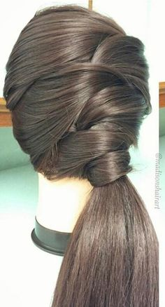 Beautiful twist on the classic ponytail @maisonshairtart Braided Hairstyles, Cool Hairstyles, Low Buns, Amazing Hair, Ponytail, Braids, Long Hair Styles, Classic, Beauty