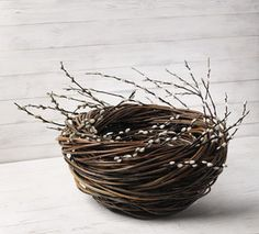 14 april & Spring& willow basket by Lizzie Farey Weaving Projects, Weaving Art, Willow Weaving, Basket Weaving, Rustic Wood Crafts, Contemporary Baskets, Twig Art, Making Baskets, Plant Fibres