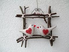 Kuvahaun tulos haulle vystřihovánky do okna na jaro Valentine Crafts, Easter Crafts, Christmas Crafts, Christmas Decorations, Christmas Ornaments, Holiday Decor, Valentines Door Decor, Felt Crafts, Diy And Crafts