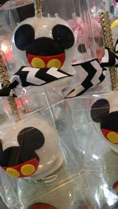 Mickey mouse candy apples check out @one_skinny_baker