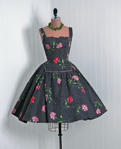 Front View w/ fabulous paper & beads necklace? - 1950's Vintage Watercolor Floral-Garden Sequin Polka-Dot Print Cotton-Couture Pleated Low-Plunge Rockabilly Circle-Skirt Bombshell Sun
