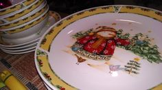 How about some cute snowman dinnerware for your Christmas dinner?