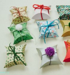 How to make square pillow gift boxes easily with a CD // Párna dobozok - ajándék dobozok készítése egyszerűen // Mindy - craft tutorial collection // #crafts #DIY #craftTutorial #tutorial #ChristmasCrafts #Christmas