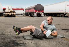 Fitness camioneros: 7. Registra tu alimentación y acondicionamiento. Llevar un diario de comidas y ejercicios facilita detectar debilidades. Baleka le da a cada chofer un monitor de ritmo cardiaco o uno de actividad diaria.