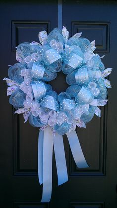 -deco-mesh-wreath-and-ribbons