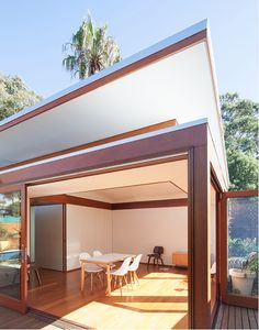 Sustainable House Annandale by features COLORBOND® steel Shale Grey® roof, flashings, and gutters. Backyard Studio, Backyard Cabin, Backyard Office, Garden Studio, Granny Pods, Passive Solar Homes, Passive Design, Latest House Designs, Boarding House