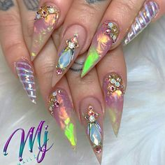 Semi-permanent varnish, false nails, patches: which manicure to choose? - My Nails Opal Nails, Bling Nails, Stiletto Nails, Love Nails, Pretty Nails, My Nails, Nail Swag, Hard Nails, Nagel Bling