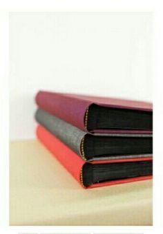 Albumes Pepapaper, forrados con tela y páginas en color negro.