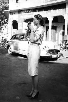 Lauren Bacall filming in Jaipur, India.