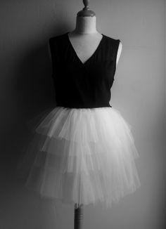 For sale or rent Diy Dress, Dress Skirt, Lace Dress, Lily Wedding, Skirts For Sale, Unique Dresses, Designer Wedding Dresses, Tulle, Ballet Skirt