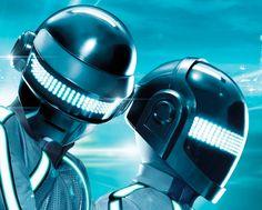 daft-punk-guy-helmet-final-p-16-tron-p-20-daft-tron-helmets.jpg-41769d1293816391 (867×698)