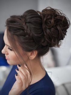 Dont normally care for braids but this is really pretty #UpdosBraided