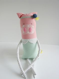cute little pig lady at www.lemondreamz.com