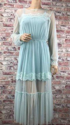 Romantické čipkované šaty svetlo-modrej farby Dresses With Sleeves, Long Sleeve, Fashion, Moda, Sleeve Dresses, Long Dress Patterns, Fashion Styles, Gowns With Sleeves, Fashion Illustrations