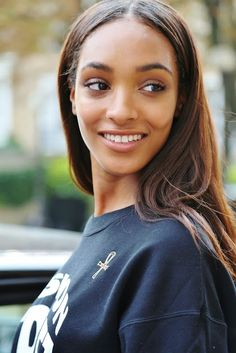 Jourdan Dunn is a clear example of what Beautiful Face means. Makeup Tips, Beauty Makeup, Hair Makeup, Hair Beauty, Makeup Ideas, Makeup Goals, Beauty Skin, Natural Makeup Looks, Natural Looks