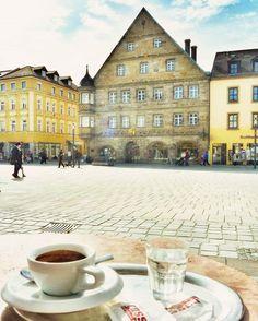Zum heutigen Frühlingsanfang ein Bild aus besseren Tagen. Wann wird das Wetter endlich wieder schön?? #City #shopping #fußgängerzone #weltderwilhelmine #theculturetrip #culture #culturetravel #instagram #instatravel #igersfranconia #bayreuth #franken #franconia #europetrip #travel #travelpic #germany #discover #europe #tlpicks #bestgermanypics #meindeutschland #ig_germany #living_europe #in_germany #cbviews #germanculturephotos #weroamgermany