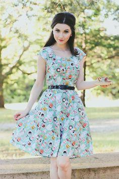 55874e3837e0 Retrolicious Mad Tea Party Dress in Green