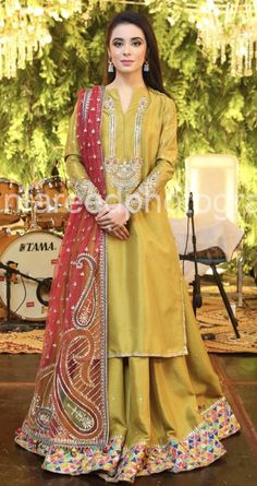 Fashion and trend could be at the peak of your magnificence after you dresses this Maroon Cotton Unstitched Salwar Kameez. The lovely Butta Work & Lace work a substantial attribute of this attire. Pakistani Mehndi Dress, Pakistani Fashion Party Wear, Pakistani Formal Dresses, Pakistani Wedding Outfits, Pakistani Wedding Dresses, Pakistani Dress Design, Bridal Outfits, Indian Dresses, Pakistani Clothing