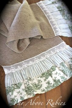 Far Above Rubies: My favorite burlap projects. would like to make this table runner Burlap Projects, Burlap Crafts, Burlap Runners, Ruffle Pillow, Burlap Lace, Hessian, Burlap Curtains, Shabby Vintage, Slipcovers