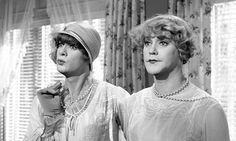 jack lemmon and Tony Curtis in Some Like it Hot - love love love this movie!