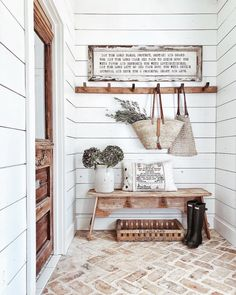 36 Ideas farmhouse mudroom mud rooms brick flooring for 2019 Casas Shabby Chic, Brick Flooring, Flooring Ideas, Farmhouse Flooring, Foyer Flooring, Brick Pavers, Laminate Flooring, Style Deco, Farmhouse Design