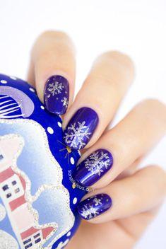 Snowflake Christmas Nails - Tutorial. Click for details. #nailart #christmasnails #bluenails