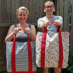 Definitely don't need another bag, but I'd sure like to try making this one!