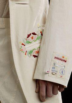 ウォルターの刺繍とネーム(?)みたいなのかわいい