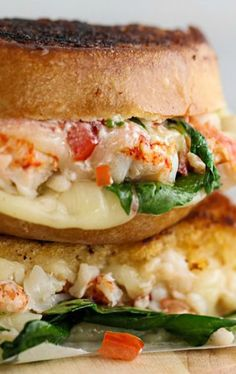 SUMMER RECIPES TO TRY: Kennebunkport Lobster Grilled Cheese Sandwich and there's a river in my mouth right now... #grilledcheese #lobster