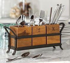 unique silverware storage | ... News: Organizing the Flatware When You Don't Have Kitchen Drawers