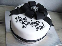 Classic black, white and bling cake at NashvilleSweets.com