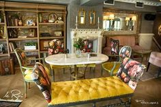 Le roi cafe !!  Greece Ioanna's vintage furniture