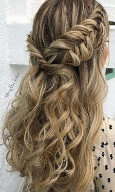 Popular Homecoming Hairstyles That'll Steal the Night: BOHO, HALF UPDO BRAID; The post Popular Homecoming Hairstyles That'll Steal the Night appeared first on Suggestions. Fishtail Hairstyles, Fancy Hairstyles, Wedding Hairstyles, School Hairstyles, Hairstyle Short, Night Hairstyles, Halloween Hairstyles, Prom Hairstyles Half Up Half Down, Natural Hairstyles