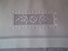 Risultati immagini per le jour d'angles Types Of Embroidery, Hand Embroidery Stitches, White Embroidery, Embroidery Techniques, Embroidery Art, Embroidery Patterns, Filet Crochet, Crochet Doilies, Crochet Yarn