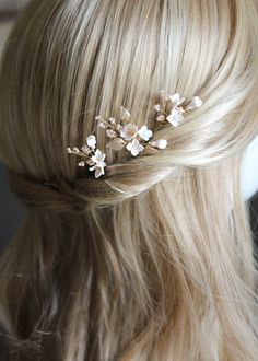 Petite Pins_Blush and pale gold floral hair pins 2 Petite Pins_Blush and pale gold floral hair pins 2 Wedding Hair Pins, Wedding Hair Flowers, Headpiece Wedding, Flowers In Hair, Wedding Veils, Flower Hair Clips, Floral Flowers, Wedding Garters, Flower Headpiece