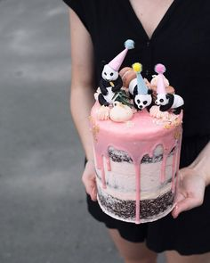 Panda birthday drip cake for a little girl's birthday party. Panda Birthday Cake, Birthday Drip Cake, Little Girl Birthday Cakes, Cakes For Birthday, Pretty Cakes, Cute Cakes, Beautiful Cakes, Panda Party, Bolo Panda