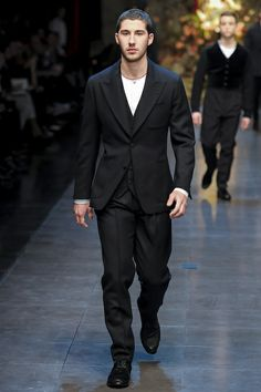Dolce & Gabbana Fall 2013 Menswear Collection Slideshow on Style.com