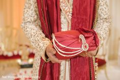 Indian groom's turban http://www.maharaniweddings.com/gallery/photo/127412
