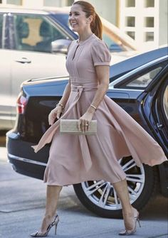 01/09-2020 Today princess Mary participated in tke BLOX BUILD BACK BETTER in Copenhagen. Queen Margrethe Ii, Royal Queen, Danish Royal Family, Danish Royals, Crown Princess Mary, Love Her Style, Royal Families, Copenhagen, Beautiful Outfits