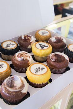 Nuestros cupcakes edición especial #TheOscars son una delicia  #MagnoliaBakeryMX #Oscars2017