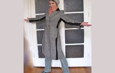Of Dreams and Seams: Fab Coat Now Wearable! She refashioned this coat because it was a bit too small. Sewing Clothes, Diy Clothes, Slacks For Women, Altered Couture, Refashioning, How To Make Shoes, Vintage Coat, Skirts With Pockets, Piece Of Clothing